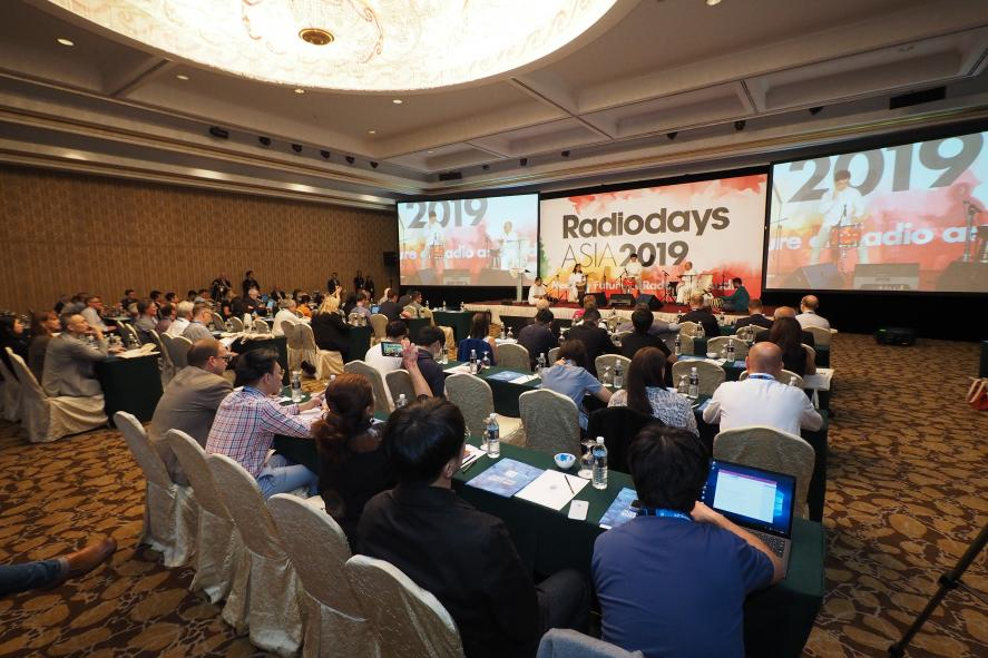 Surf 102.5fm Joins the 'Radiodays' Conference in Malaysia